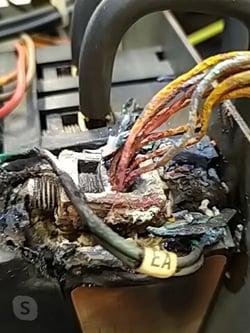 Photo echauffement dun disjoncteur - équipement obsolète